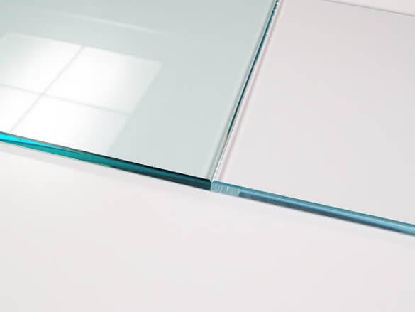 Vetro normale e vetro extrachiaro